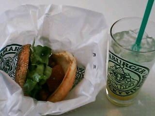 3月25日の昼ご飯:ラッキーピエロ(函館)