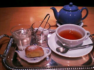 5月18日のお茶:「TEA&Co.」のスプリングロマンス(弘前)