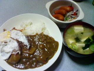 3月14日の夕ご飯:目玉焼きポークカレー
